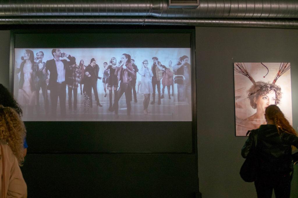 Proyección durante la exposición en Madrid